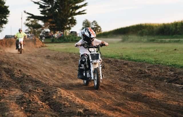 e dirt bike for kids - Photo by Jordan